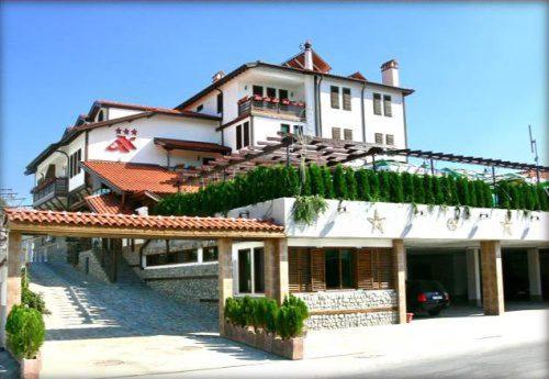 Семеен хотел Аджев хан, Сандански