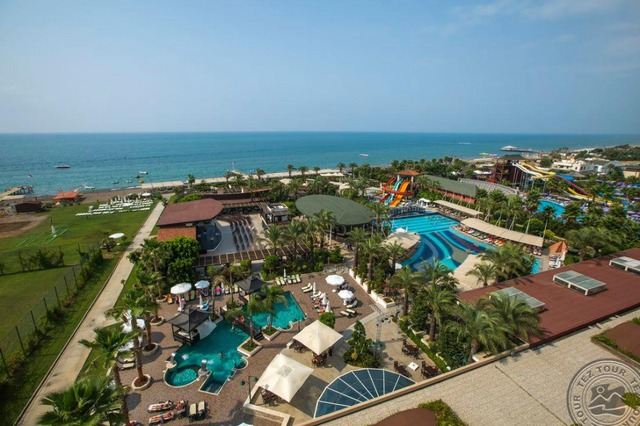 Crystal Family Resort & Spa 5 * хотел 5•