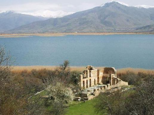 Малко Преспанско езеро